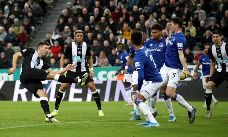Newcastle United's Fabian Schar fires in the equaliser.