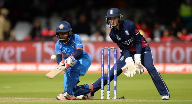 Punam Raut brings up her 50.