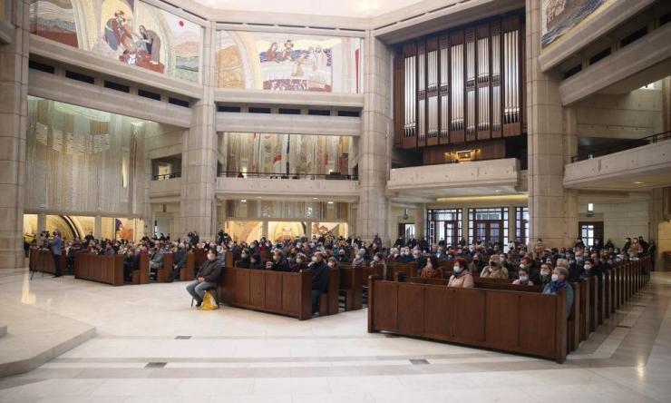 A mass in Łagiewniki, Kraków on Easter Sunday.