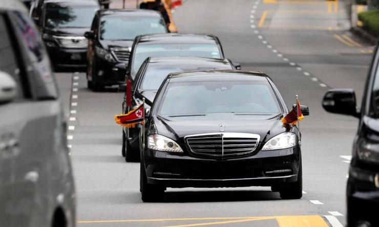 The motorcade of the North Korean leader, Kim Jong-un, travels towards Sentosa.