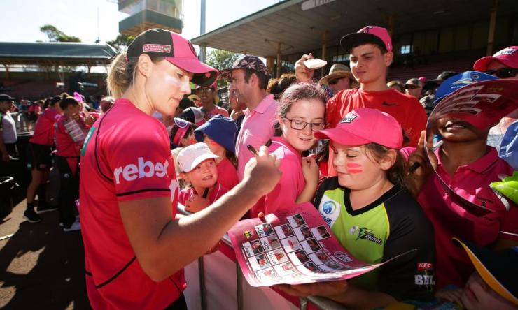 Ellyse Perry of the Sixers