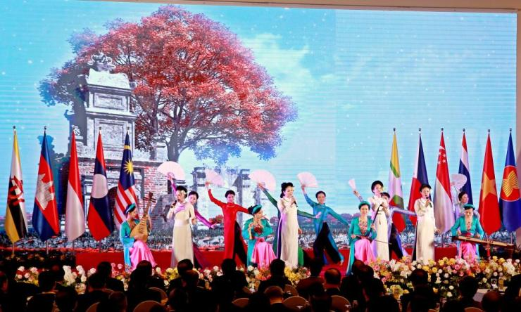 Dancers perform during the opening ceremony of The 36th Association of Southeast Asian Nations summit in Hanoi, Vietnam, 26 June 2020.