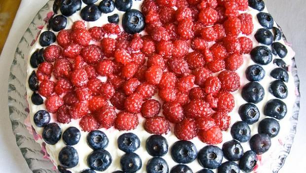 Torta Con I Frutti Di Bosco E Panna La Ricetta