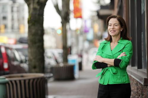سلینا رابینسون، نامزد حزب BC NDP در حوزهٔ کوکئیتلام–ملاردویل به پرسشهای رسانهٔ همیاری پاسخ میدهد
