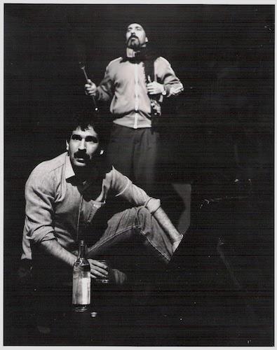 مرتضی مشتاقی و منوچهر سلیمی، سر صحنهٔ نمایش «بشنو از نی» که در دو شهر ونکوور و تورنتو اجرا شد