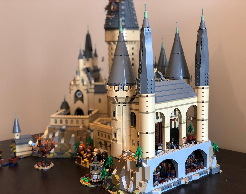 Review: building the epic 6000-piece Hogwarts Castle LEGO — Harry Potter Fan Zone