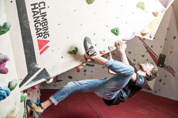 Book Indoor Bouldering Centre Climbing Hangar London Headbox