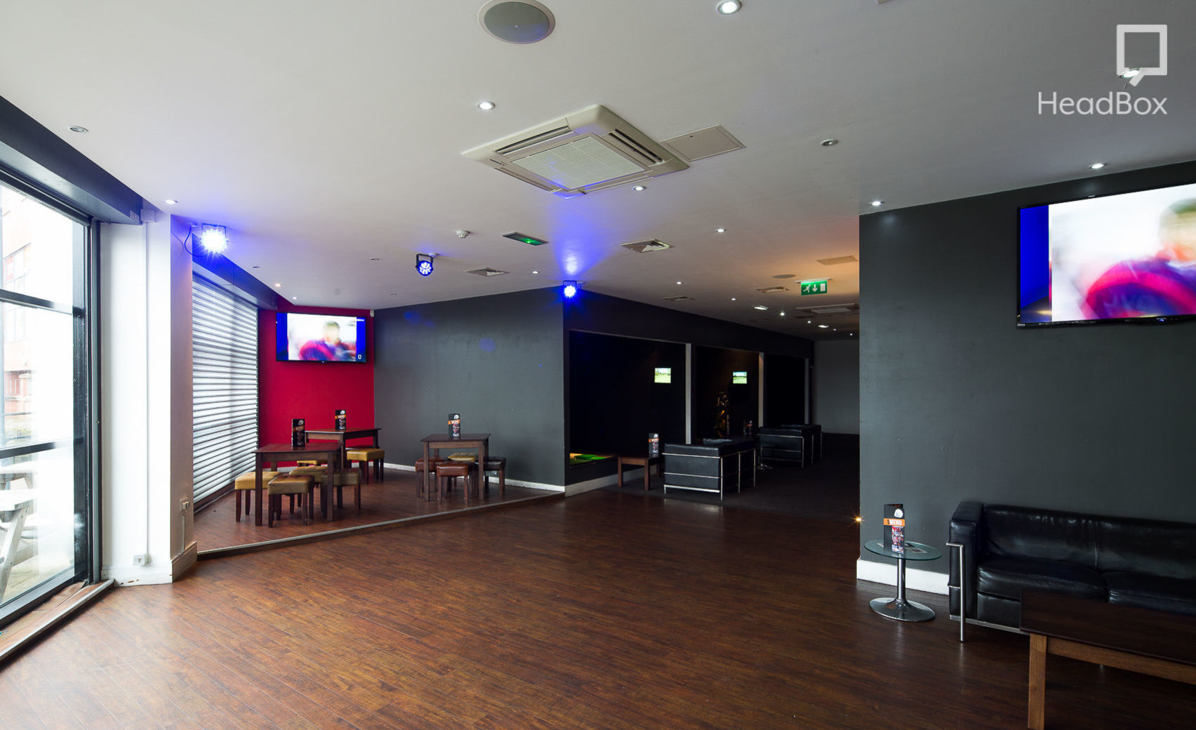 Book Indoor Golf Simulators And Much More The Green Lower Bar Hire Manchester HeadBox
