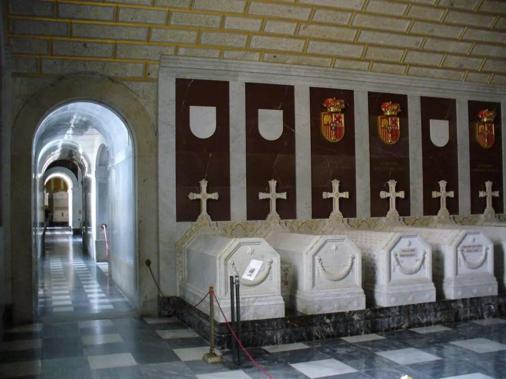 Bild im Mausoleum von Escorial zu Monasterio de San