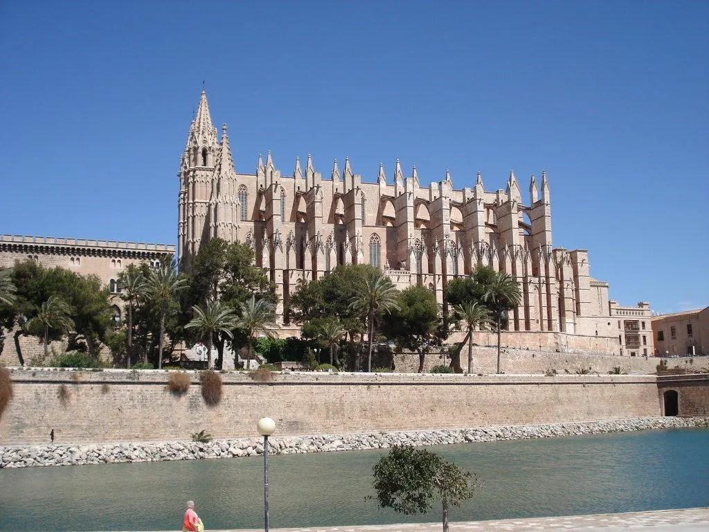 bild kathedrale von mallorca zu