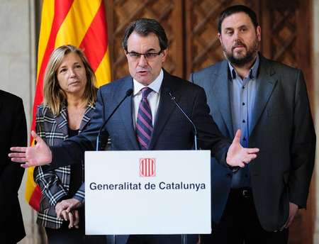 Catalonia's regional president Artur Mas speaks during a press conference in Barcelona, on December 12, 2014 ( AFP )