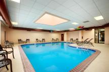 Jefferson City MO Hotels with Pools