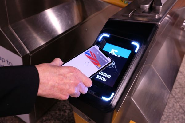 Apple Pay being used at MTA subway in NYC