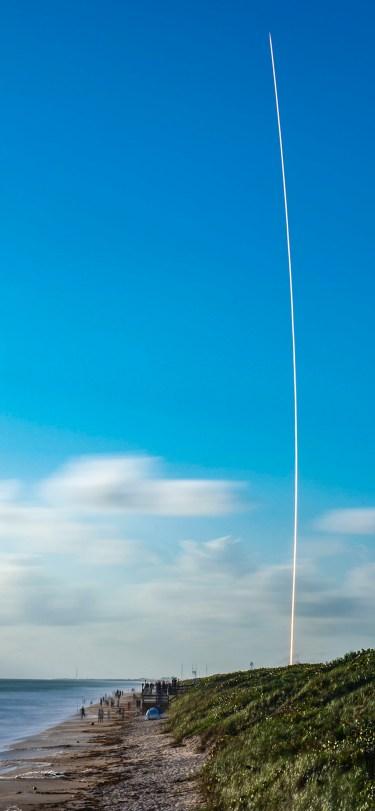 SpaceX iPhone Wallpaper iDownloadBlog Starlink Mission 2