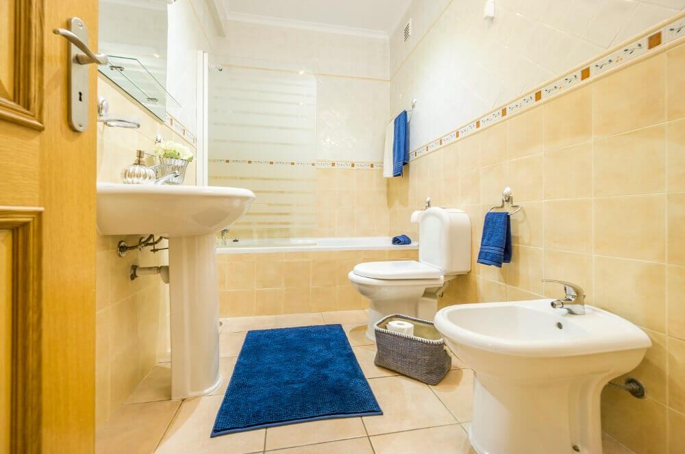Small Bathroom Decorating Ideas  Small Bathroom Ideas