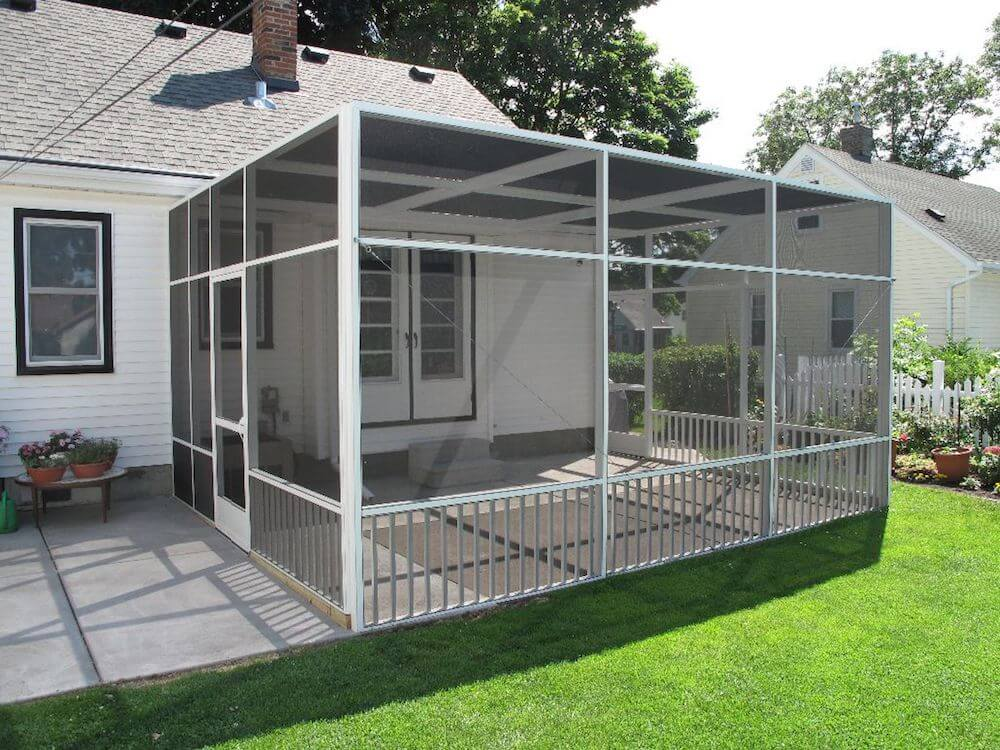 2021 screened in patio cost privacy