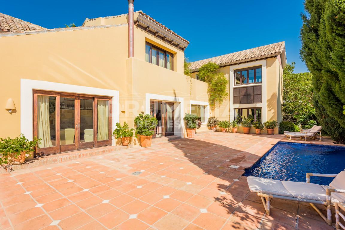 Excellent Villa In San Pedro De Alcantara