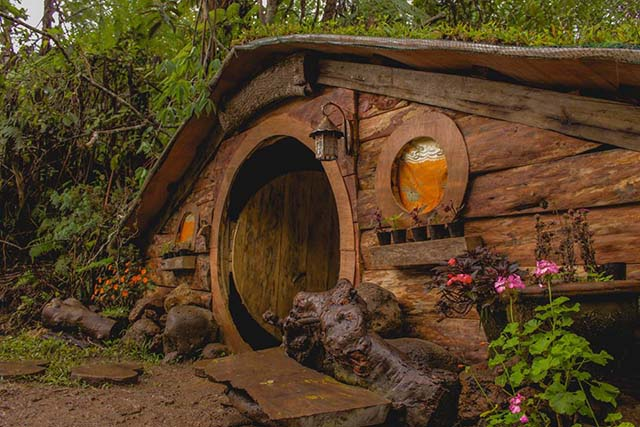 One ... & This \u0027Lord of the Rings\u0027 fan from Bukidnon built Hobbit houses |