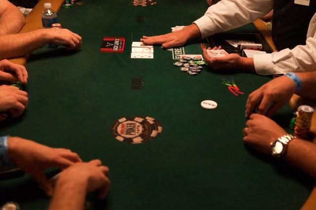 Una partita durante la quarantesima edizione del torneo World series of poker al Rio hotel di Las Vegas, luglio 2009. - Ron Haviv, VII/Luzphoto