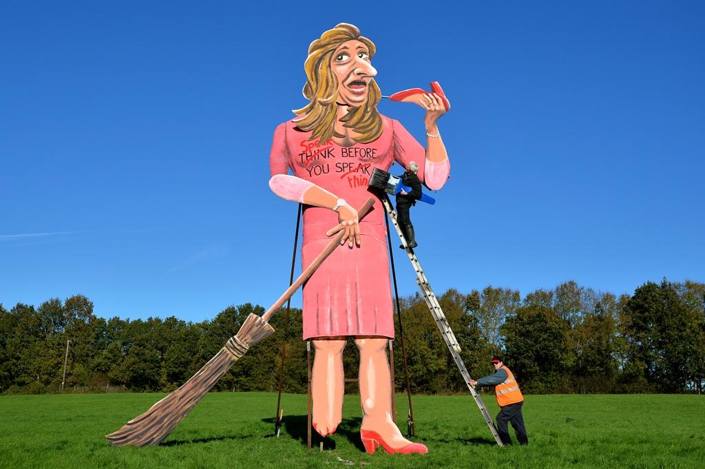 Un'opera dedicata a Katie Hopkins dell'artista britannico Frank Shepherd a Edenbridge, nel sudest dell'Inghilterra, il 30 ottobre 2013. - Ben Stansall, Afp