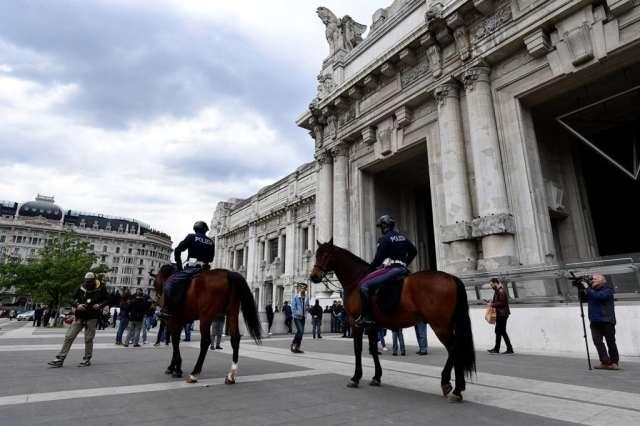 Durante il blitz alla stazione centrale di Milano, 2 maggio 2017. - Miguel Medina, Afp