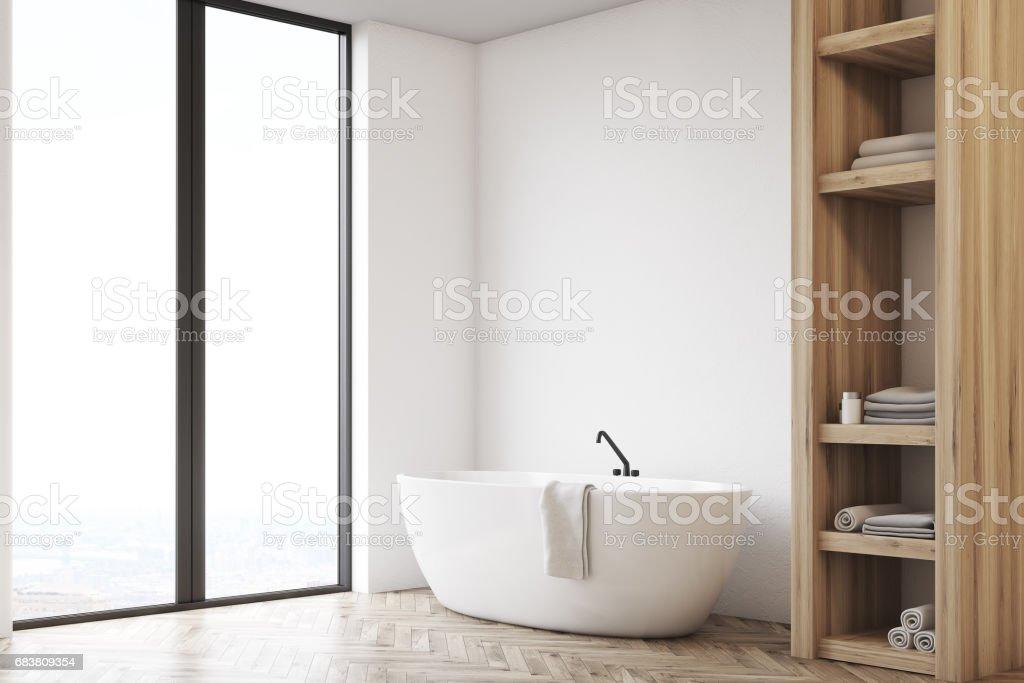 https www istockphoto com fr photo salle de bains avec placard et le mur blanc c c3 b4t c3 a9 gm683809354 125545303