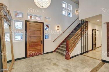 Diseño De Interiores De La Entrada En Hermosa Casa Contemporánea Moderna Foto de stock y más banco de imágenes de Diseño Temas iStock