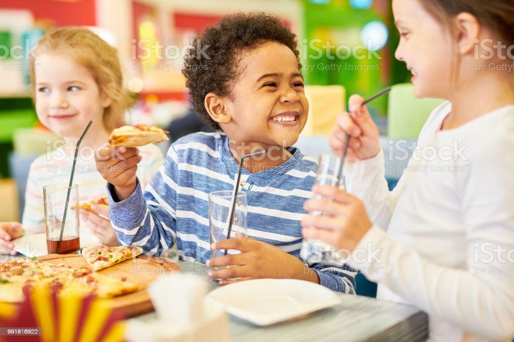 best kids eating pizza