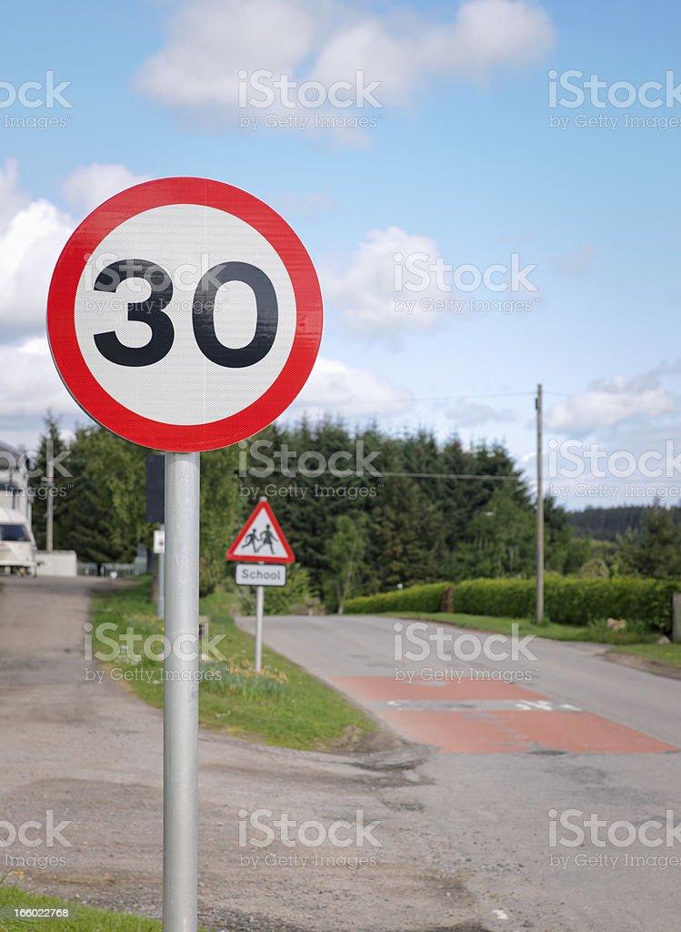 30 Km Pro Stunde Uk Speed Limit Sign Stockfoto und mehr ...