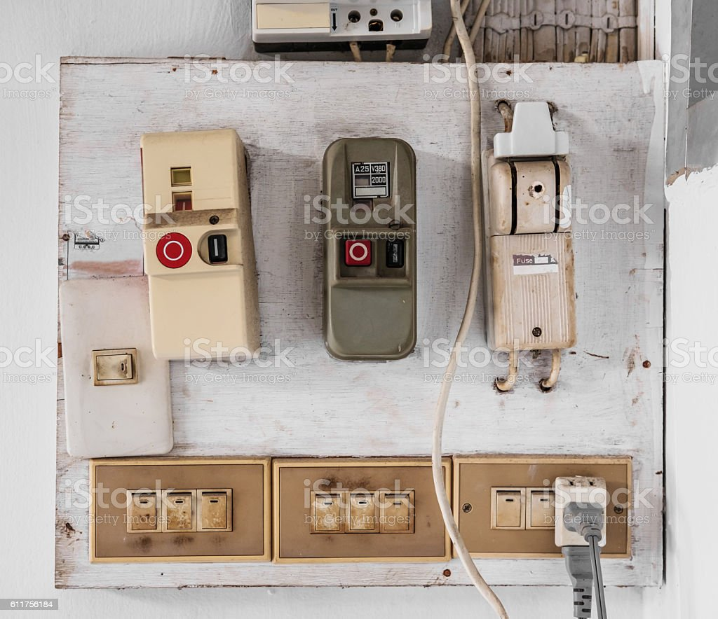 hight resolution of old door lock electrical fuse panel data wiring diagrams u2022 old electrical fuse box wiring