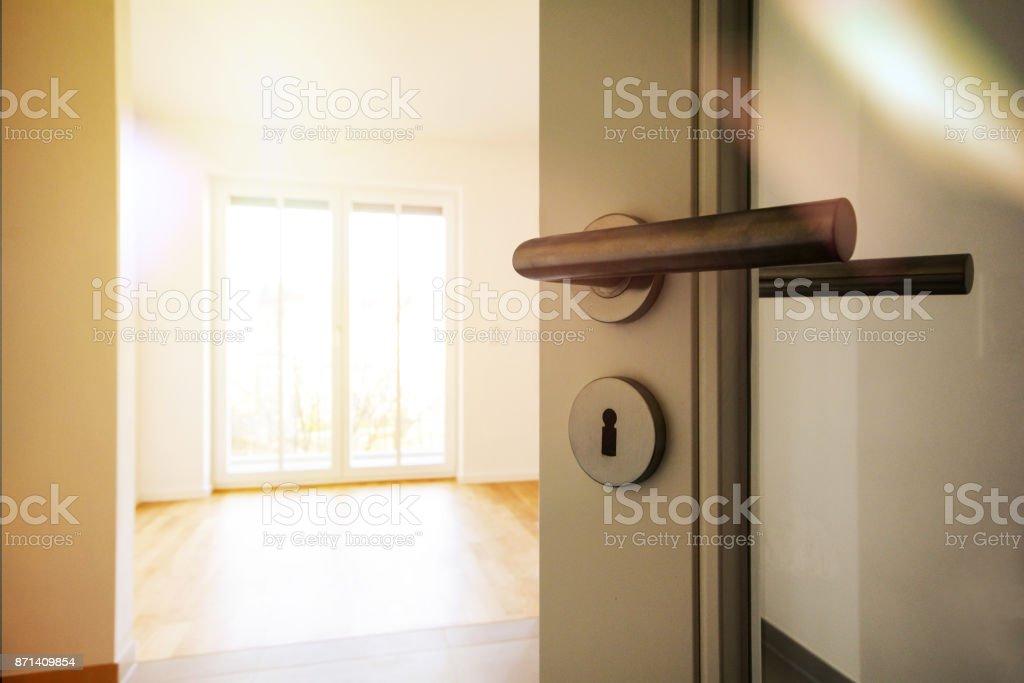 Verhuizing Naar Nieuw Appartement Deur Naar Moderne