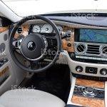 Foto De Interior Da Rollsroyce Prata Fantasma E Mais Fotos De Stock De Carro Istock