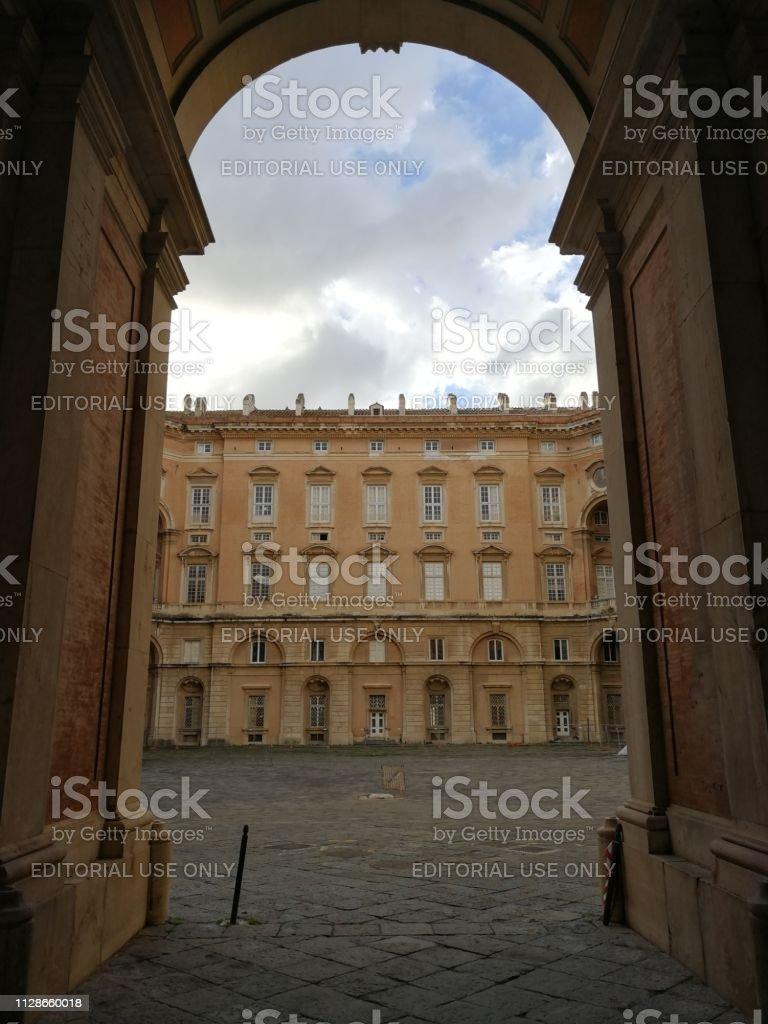 Il palazzo è il fulcro del complesso monumentale della reggia di caserta,. Reggia Di Caserta Overview Of One Of The Internal Courtyards Stock Photo Download Image Now Istock