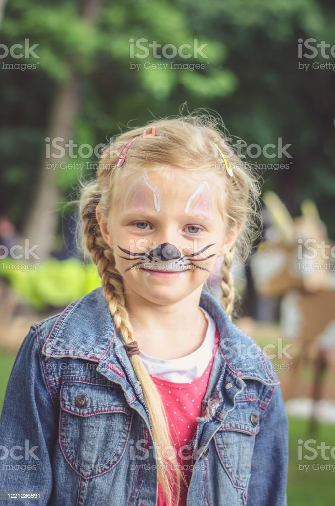 Mouse Face Paint : mouse, paint, Mouse, Paint, Stock, Photos,, Pictures, Royalty-Free, Images, IStock