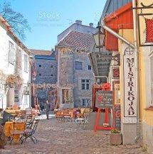 Fotograf De Tallin Estonia Personas En Caf La Ciudad
