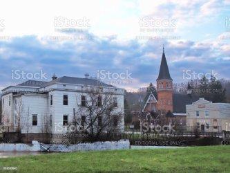 town camillus york rural hall ny government scene america building local vista upstate doccia pioggia dopo center