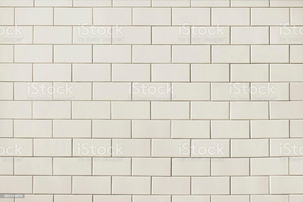 https www istockphoto com fr photo carrelage blanc mural texture darri c3 a8re plan gm932444626 255559314