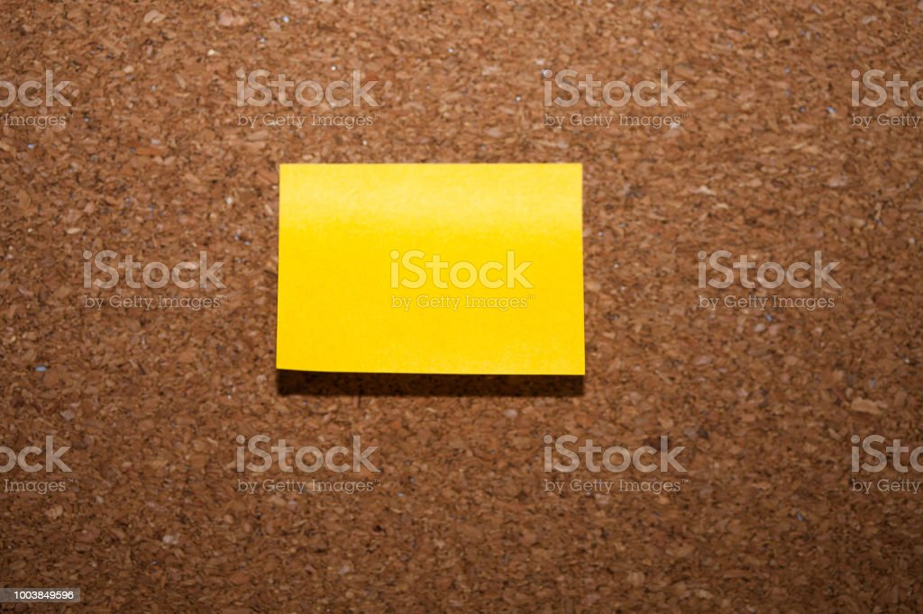 yellow sticky note on