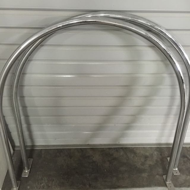 Circular Aluminium Curtain Rod For Changing Room Preloved Furniture On Carousell