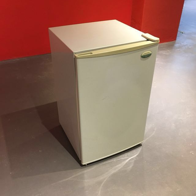 SANYO 三洋 單門小冰箱 75L, Kitchen & Appliances, Kitchen appliance on Carousell