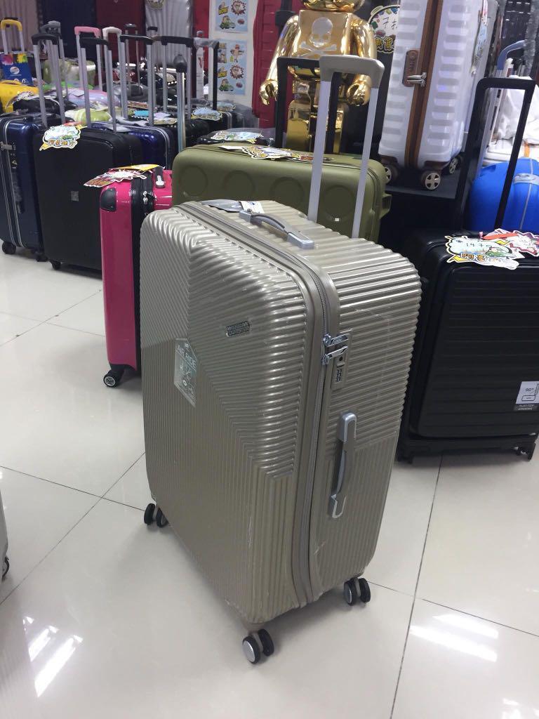 阿豪 美國知名品牌 AMERICAN TOURISTER 三年保養 AIR RIDE 系列 29 吋 行李箱, 旅行, 旅行必需品, 行李 - Carousell