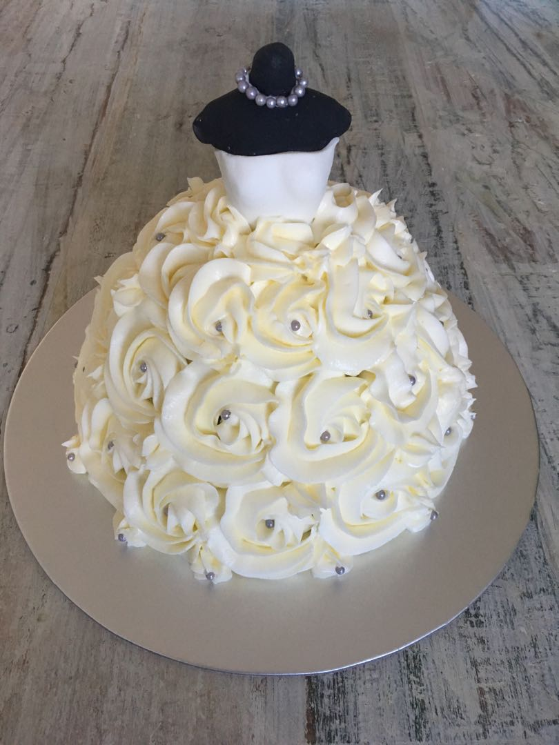 Bridal Shower Cake Food Drinks Baked Goods On Carousell