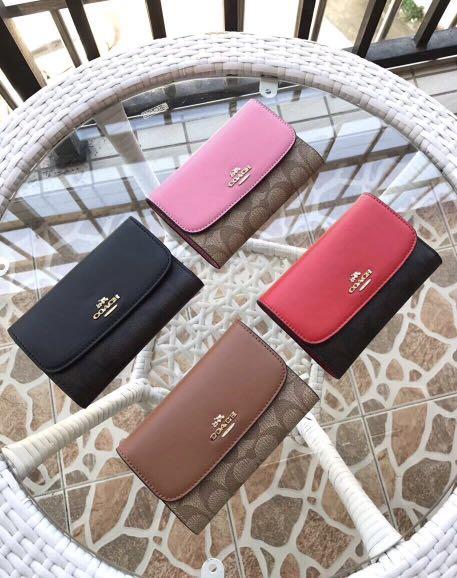 COACH 32485 新款女士三折翻蓋中夾 搭扣設計 內置拉鏈隔層 附購證, Luxury, Bags & Wallets on Carousell