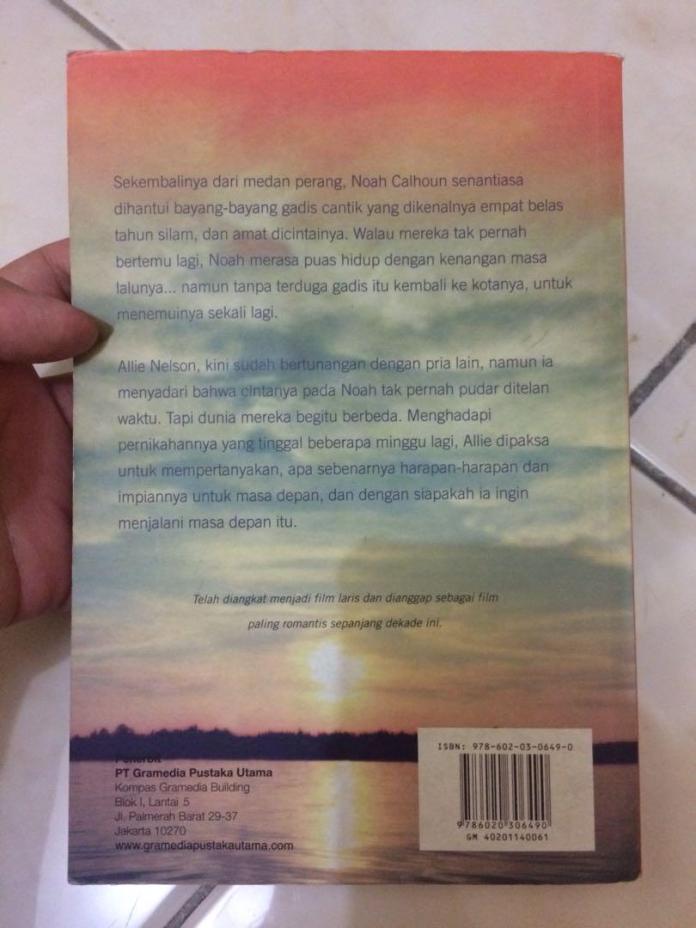 Novel The Notebook Nicholas Sparks Buku Alat Tulis Buku Di Carousell