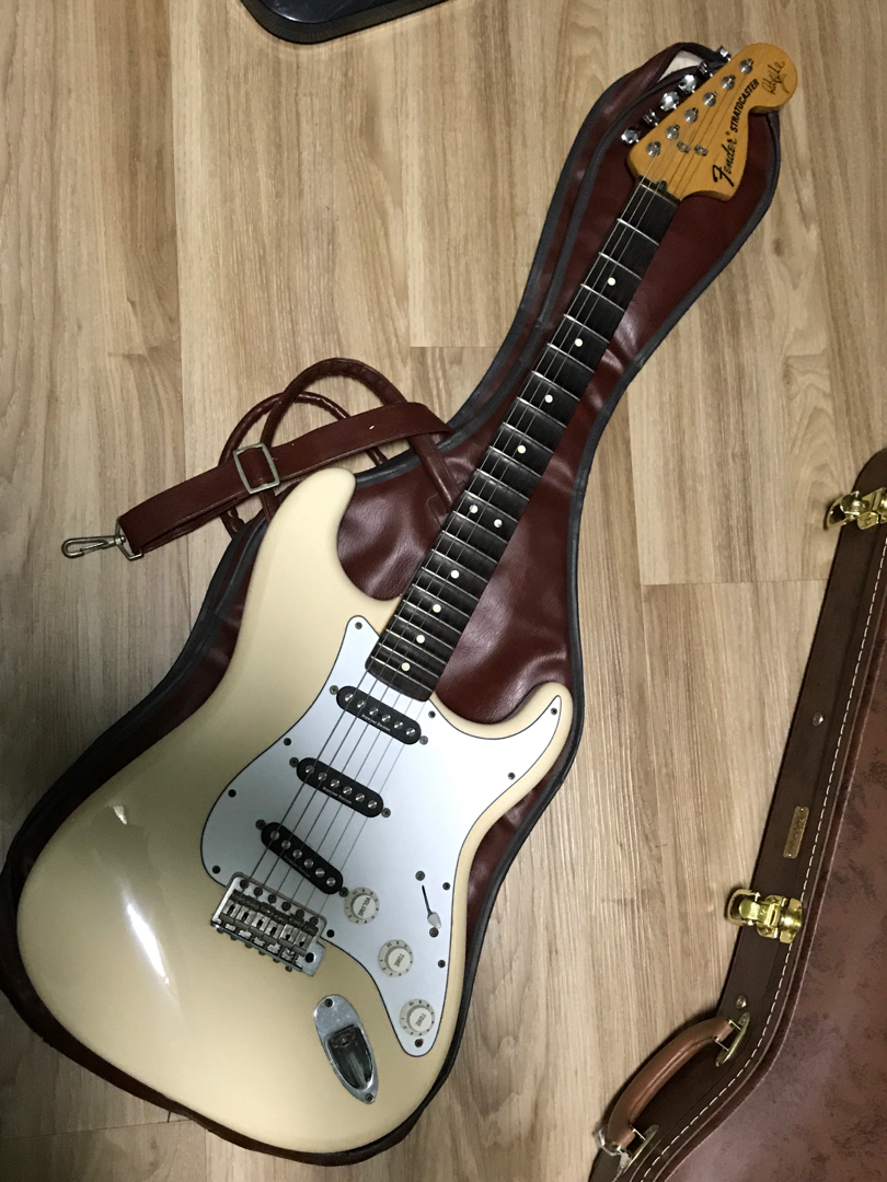 medium resolution of fender ritchie blackmore strat mexican music media music instruments on carousell