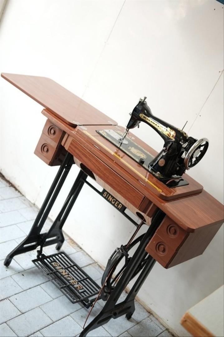 Mesin Jahit Manual : mesin, jahit, manual, Mesin, Jahit, Manual, Warna, Maroon,, Perabotan, Rumah, Carousell