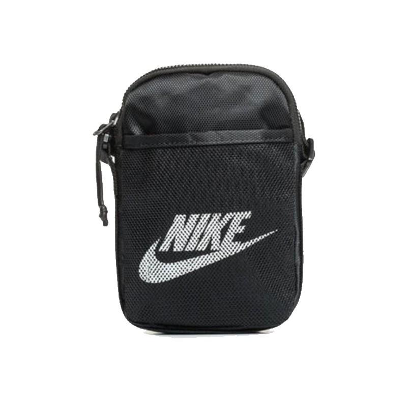 Nike Bag 斜孭袋, 男裝, 男裝袋 & 銀包 - Carousell