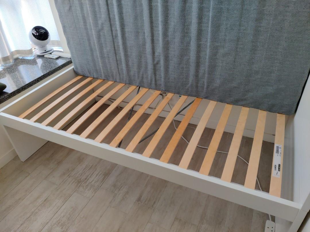 IKEA Flaxa 單人床架 + IKEA 彈簧床褥, 傢俬&家居, 傢俬 - Carousell