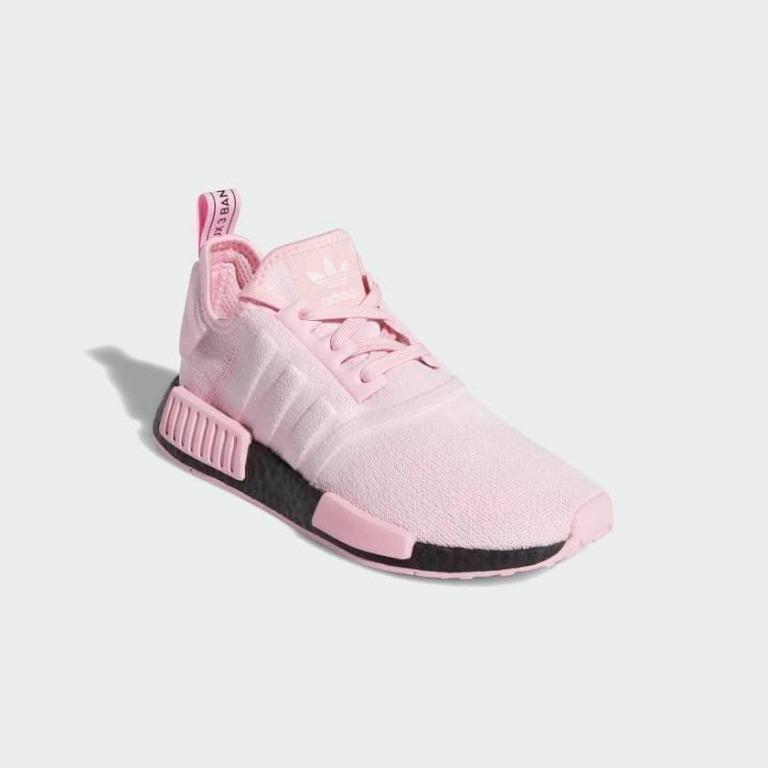4月連線代購 Adidas NMD R1 粉黑, 她的時尚, 鞋子在旋轉拍賣