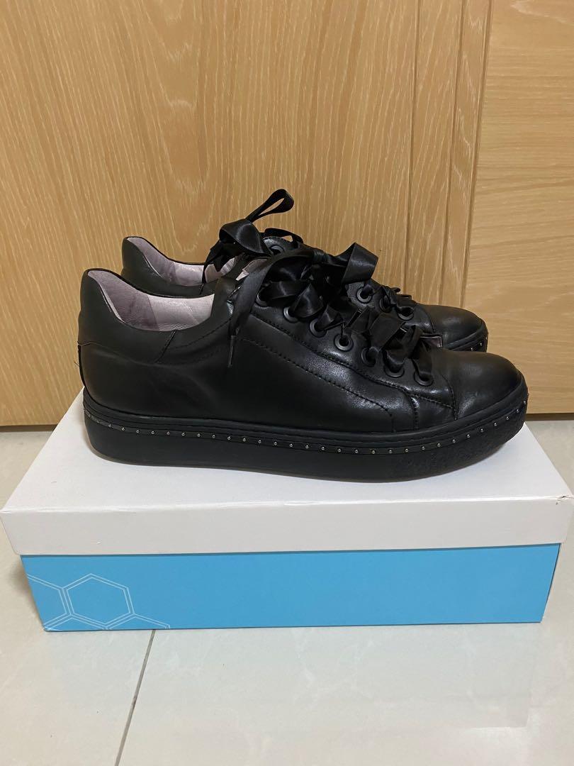 Jipi Japa 黑色皮波鞋( size 39), 女裝, 女裝鞋 - Carousell